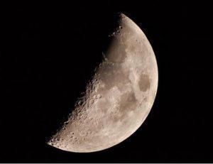 Immagine di Sandra Luzzini, Ciroclo Astrofili Trezzano, realizzata da singolo scatto con camera canon 400d, al fuoco di un rifrattrore Sky Watcher 102mm
