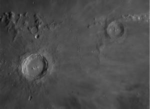 I Crateri Copernico ed Eratostene, ripresi con rifrattore Vixen 140mm focale 800, lente barlow3X e camera Imaging Source.
