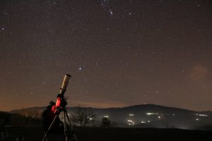 Quando lavoro e meteo lo consentono, ograniziamo trasferte per osservare il cielo lontano dall'inquiamento luminoso.