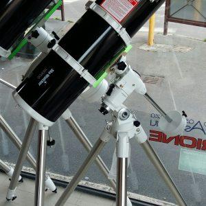 Telescopio Newton 150 Sky Watcher, su mont. Celestron CG4